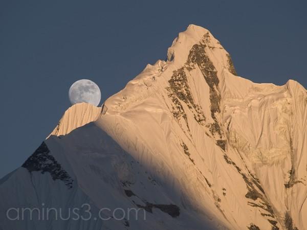 Moon rise over Annapurna