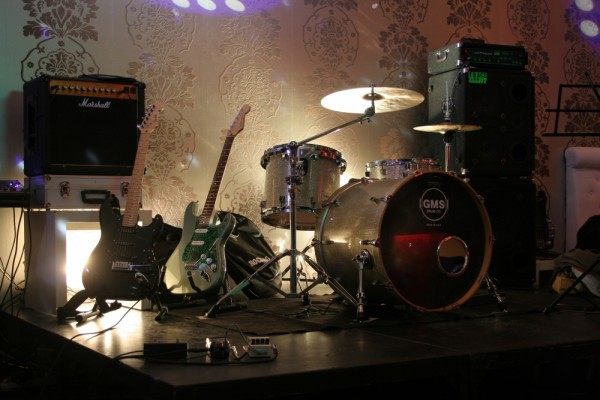 Guitaras e Bateria
