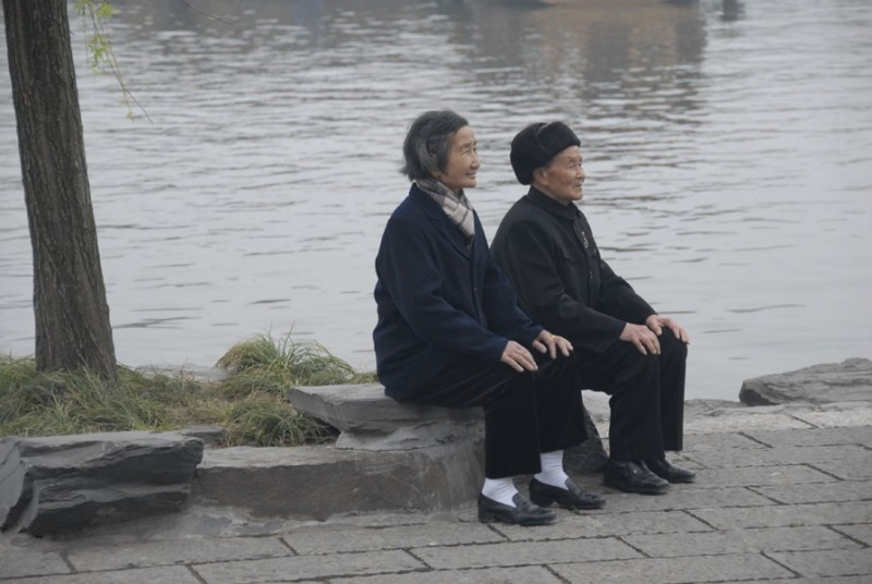 an elderly couple enjoying life