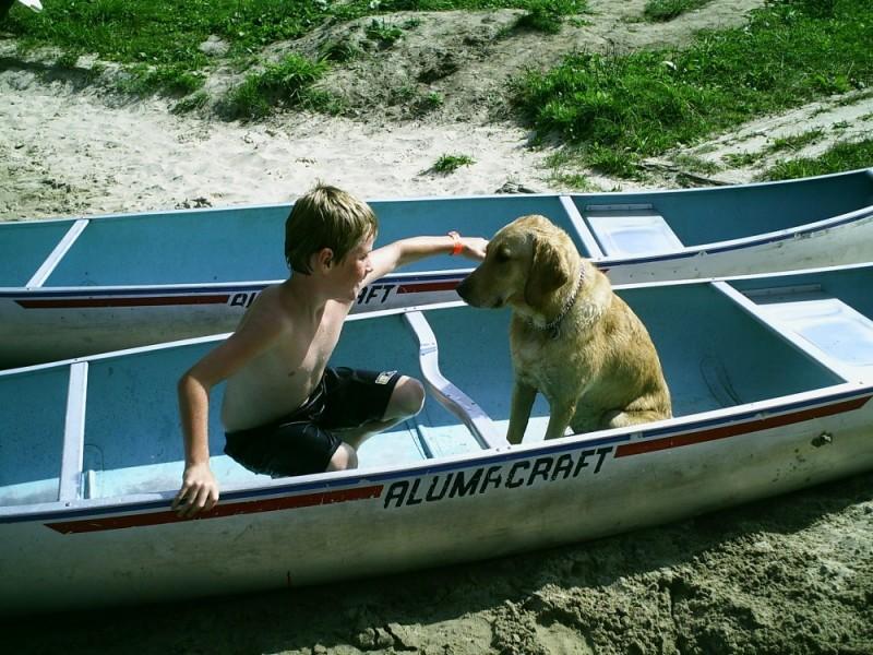 Radey, Parade, Canoe