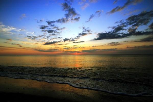 Karasu Beach, 4:50 a.m.