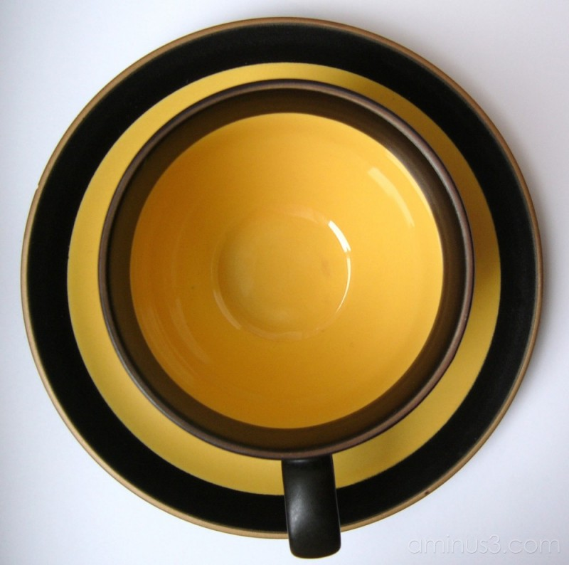 A yellow cup.