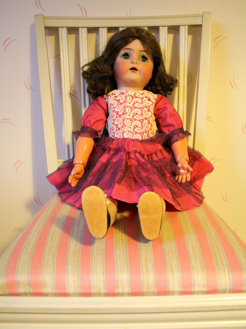 Peggy - the old American doll.