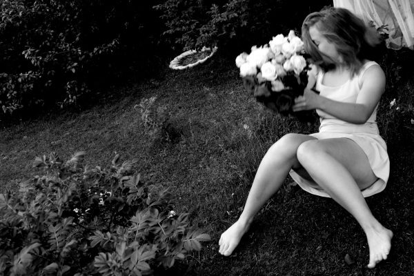 Falling bride.