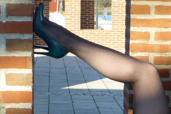 High heels - 2/4.
