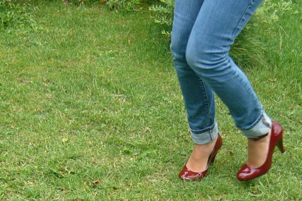 High-heeled.