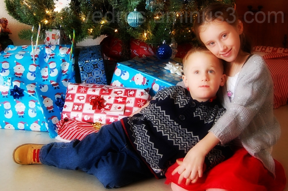 Christmas siblings