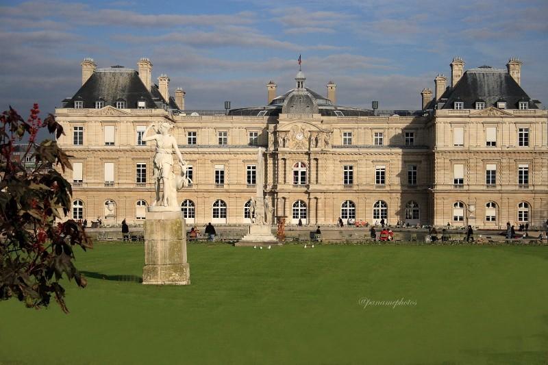 Le Palais du Luxembourg , siège du Sénat