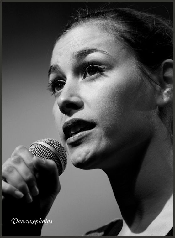 Olivia Ruiz Concert Des Ponts Pas Des Murs