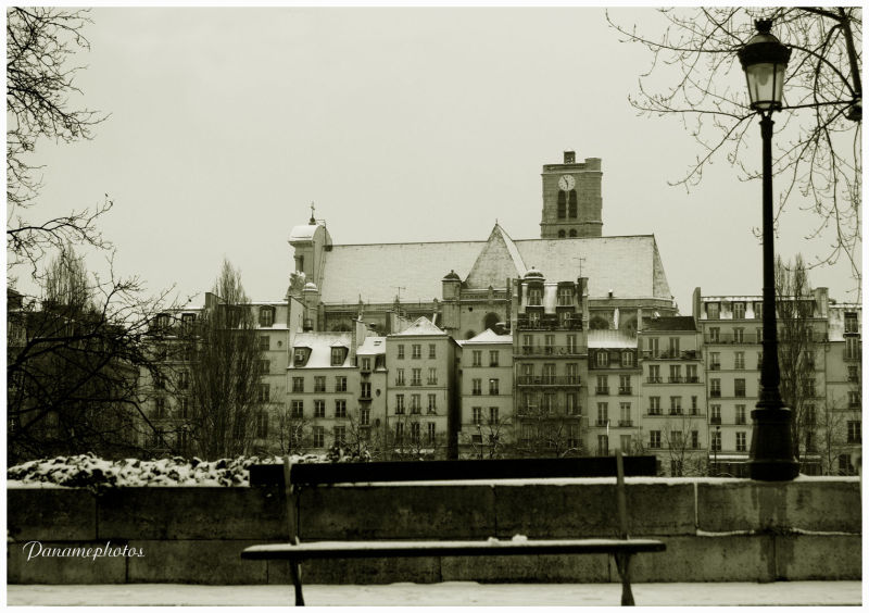 Snows on Paris