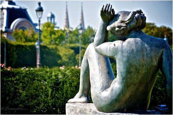 La Belle Des Tuileries