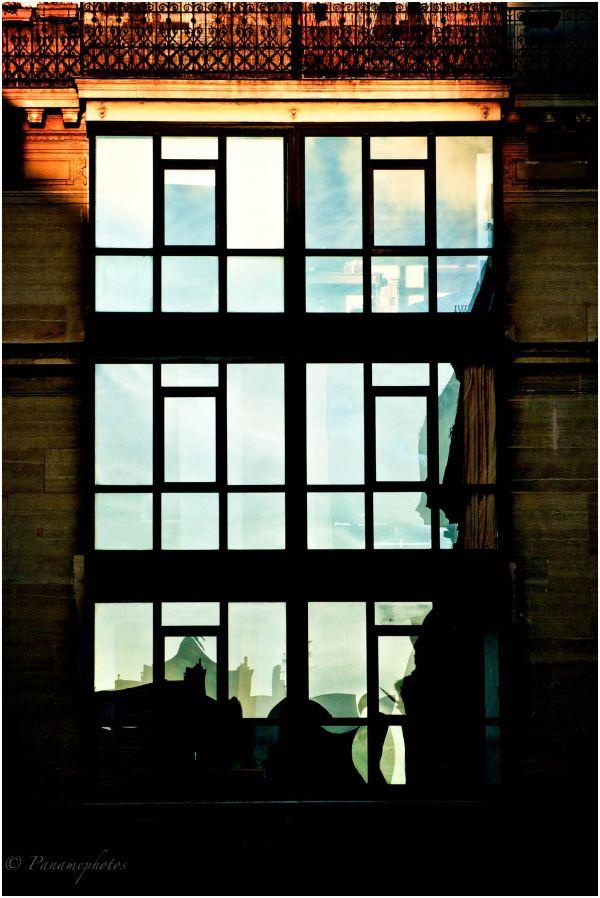 Fenêtre Reflet Soleil Et Transparence