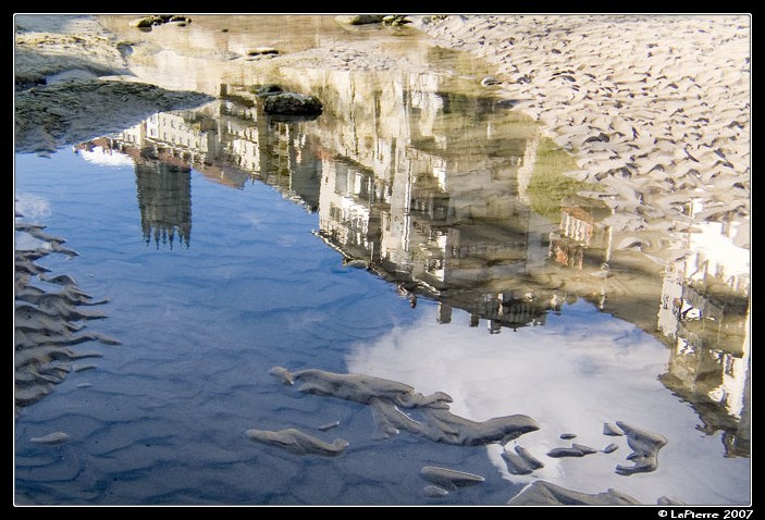 Reflection Fribourg Suisse Sarine Cathedrale