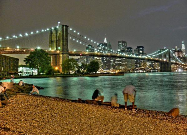 New York hudson river Brooklyn bridge people usa