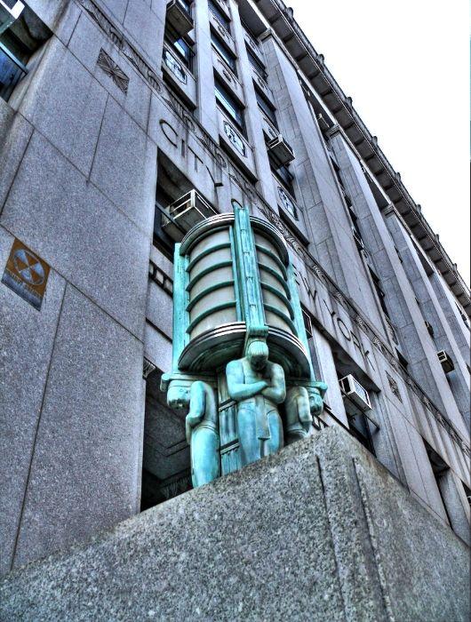 New York statues building street