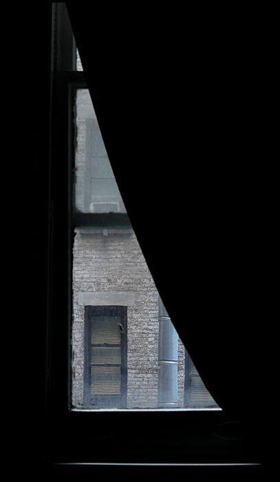 New York hostel window fenêtre cour