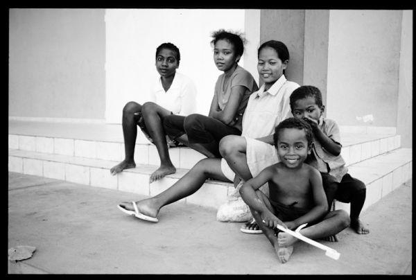 madagascar 2005 morondava kids boys girls youth st