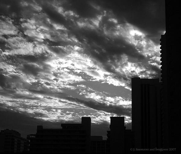clouds over honolulu