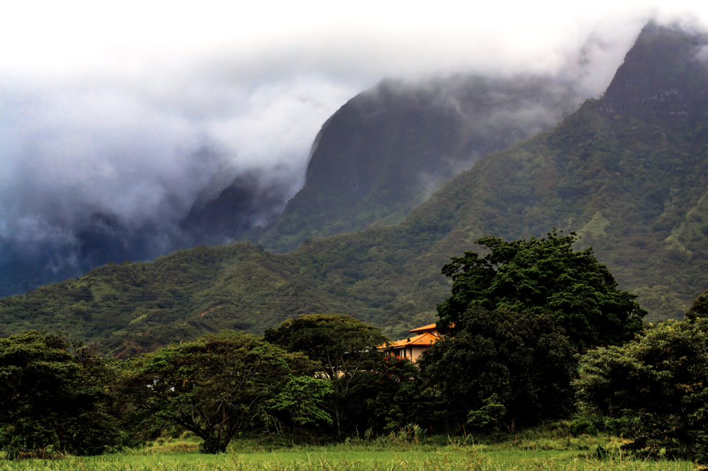 more of the ko'olau mountains