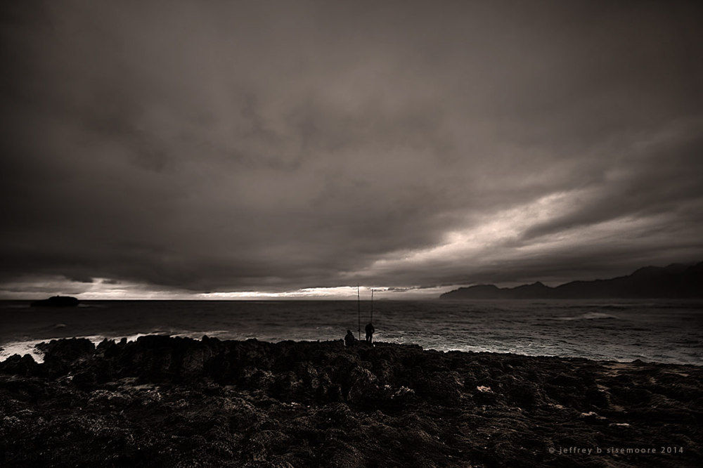 gray dawn | fishing on the point