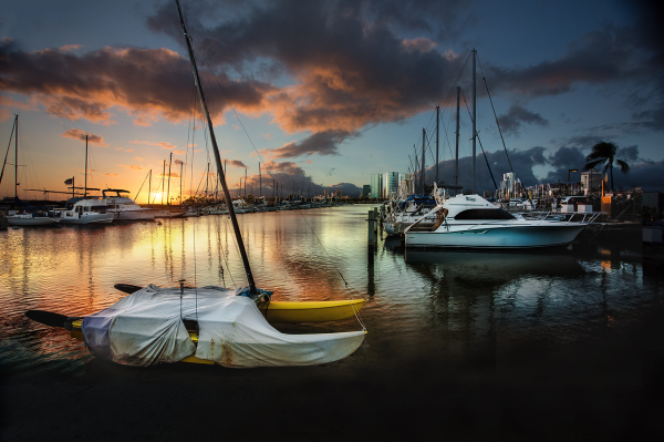 setting sun, waikiki harbor