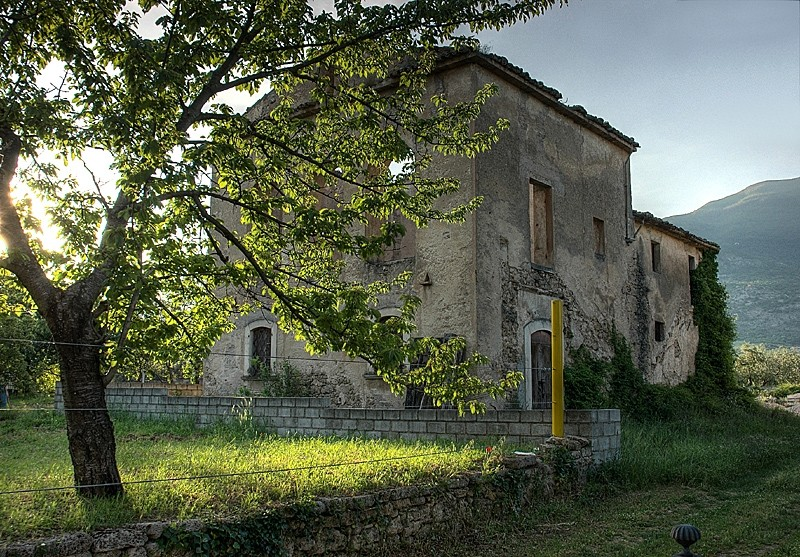 abruzzo mountain appennini rural house hdr