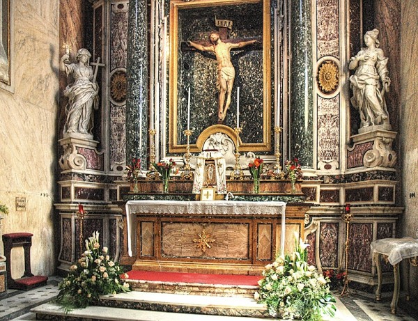 church lecce christ altar