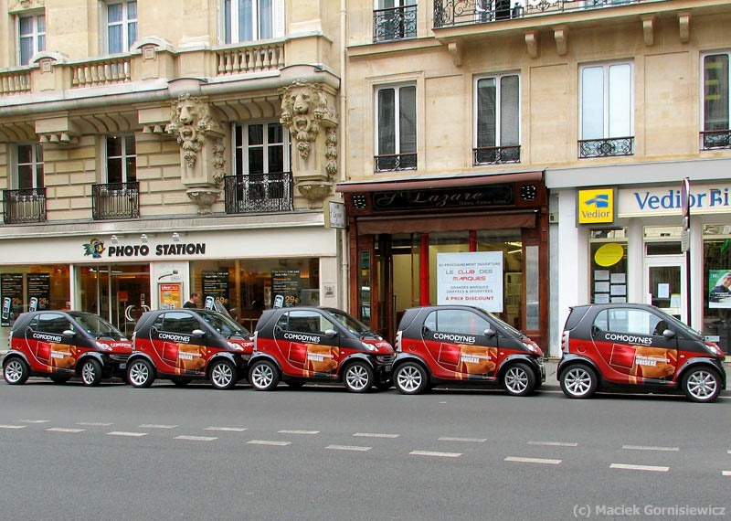Tight parking in a Paris street.