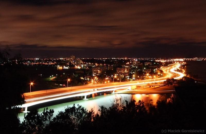 Narrows Bridge and Kwinana Freeway at night