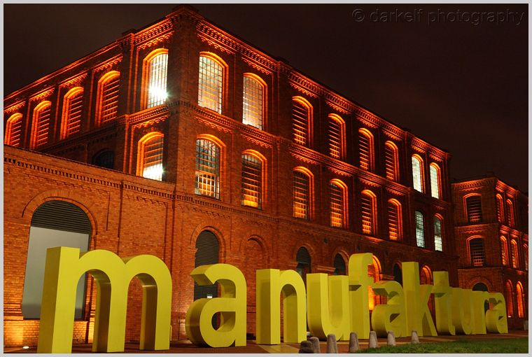 manufaktura at night
