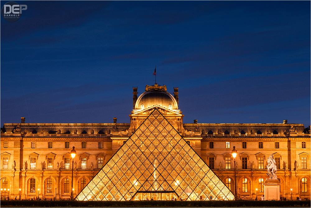 louvre pyramid