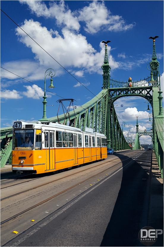 golden tram