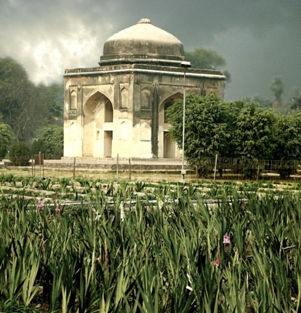 Small tomb near Humayun's tomb (Image 41)