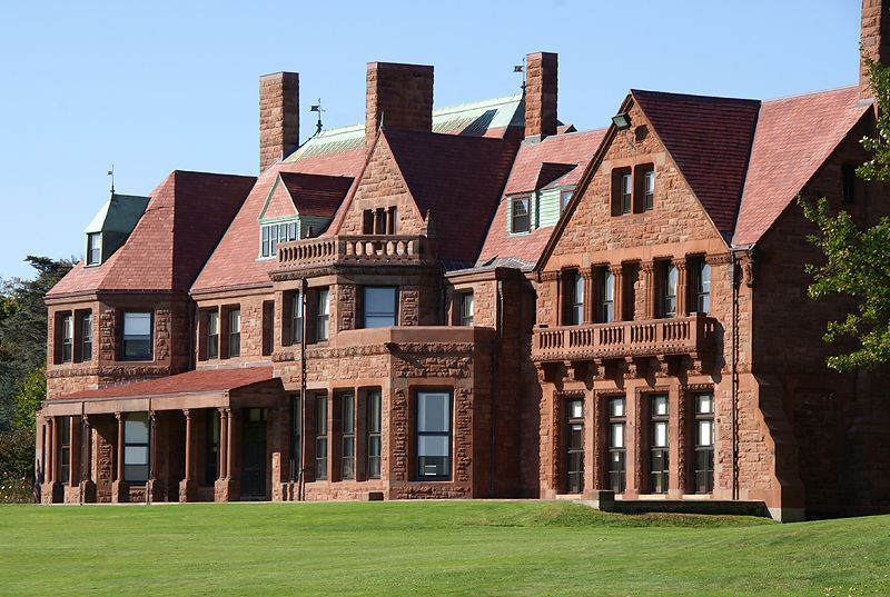 Vineland, Salve Regina University