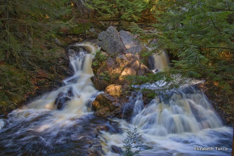 Bears Den Falls (MA)