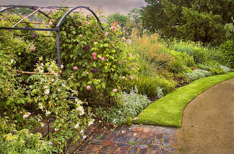 Woodbrooke Quaker Study Center Garden