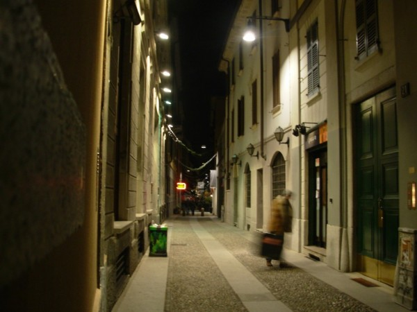 A shot in the night in Brera (Milan)