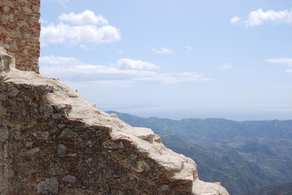 greek calabria's wall