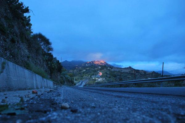 Al tramonto a novembre, sulla strada per Bova
