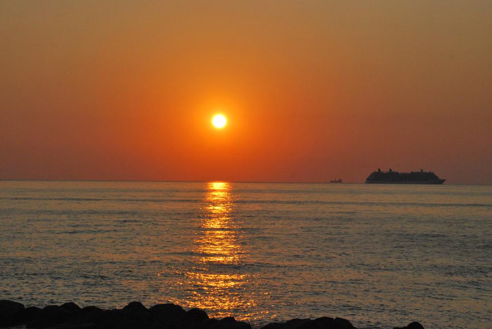Un tramonto da Favazzina di Scilla (RC), Italia