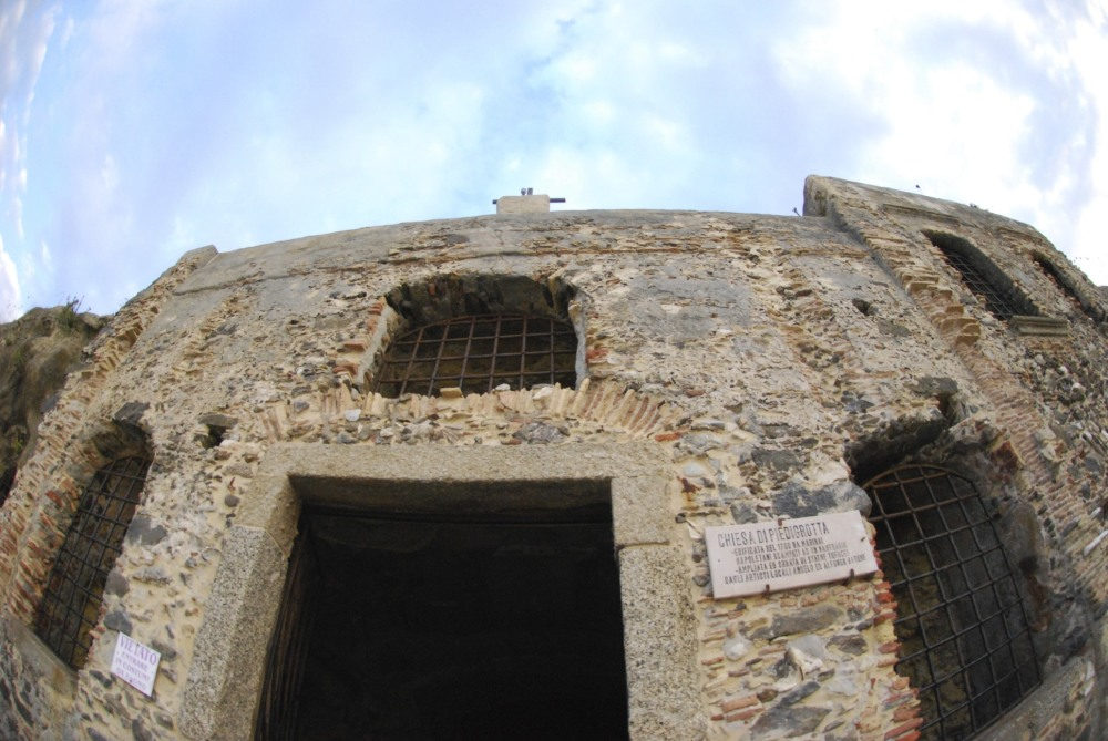 facade, front church cave, church in cave,