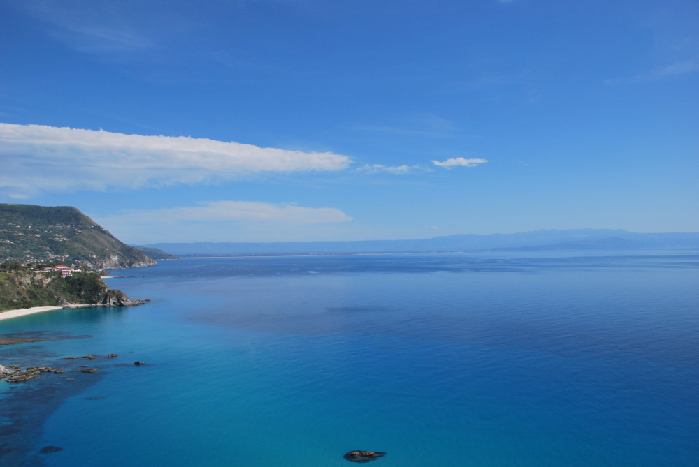 A picture of a sunny summer day in Calabria, Italy
