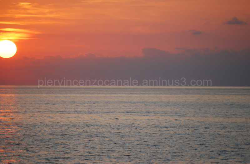 A cut of the sunset as seen from Calabria, Italy.