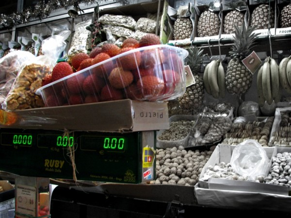 Fruits on Scale