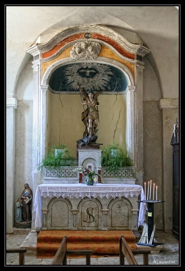 l'église de Roussillon