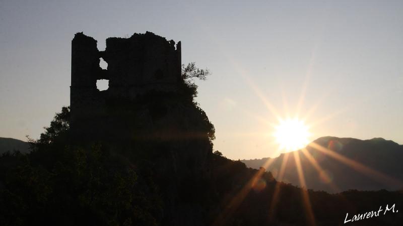 Le chateau de Soyans en Drôme Provençale