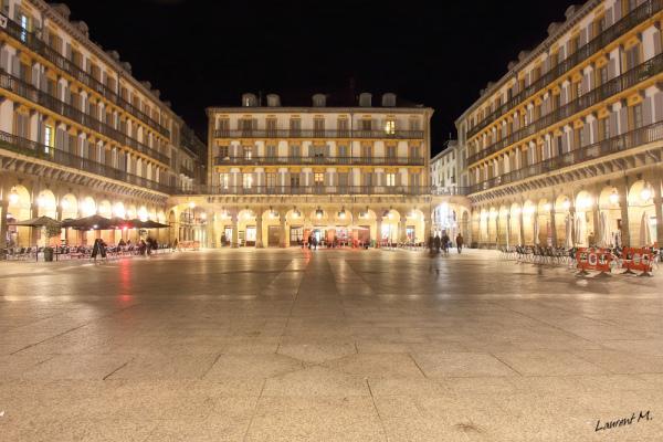 Constitución Plaza, Donostia