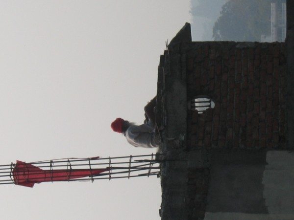 Rishikesh - reads on his roof every morning