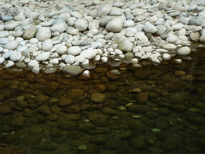 00093::Stones