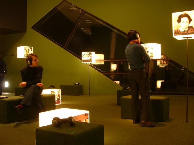 00352::Green room